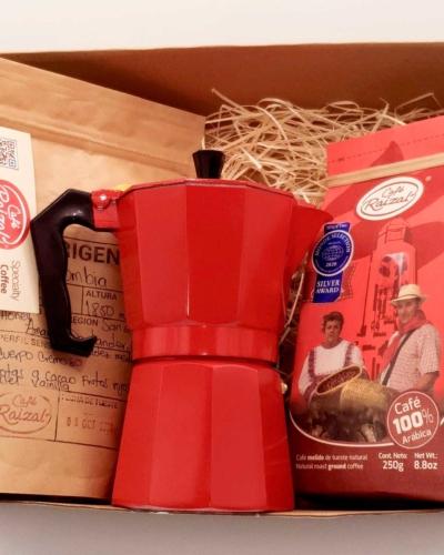 Pack regalo cafetera moka italiana+ paquetes de Café